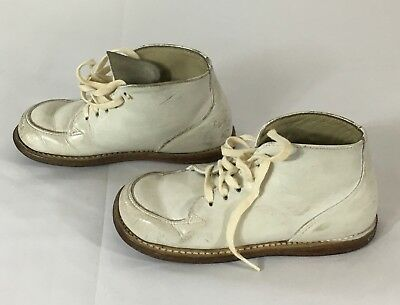 Vintage 1970's Sears Baby Mocs White Leather Girl's Shoes Size 6