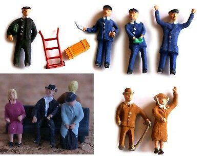 Metal Figures approx 1:87, painted, unboxed, sold individually couple bench