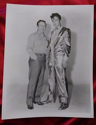8×10 B&W photo of Nudie and Elvis Presley NOS from Nudie's Rodeo Tailors