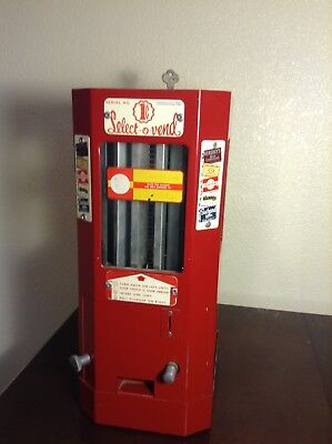 Vintage 1 Cent Select-O-Vend Coin Op Machine- circa 1945. Fully functional.