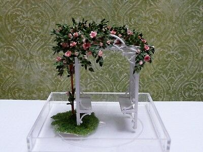 Delicate 1:48 Scale Miniature Rose Arbor