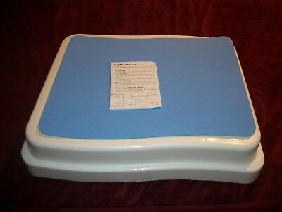 """Ideaworks JR5539 4"""" Bath Step Anti-Slip Surface Max Weight Holds 418 Pounds NEW"""