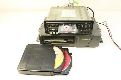 ALPINE 7517S car radio-cassette and ALPINE 5970 six CD changer. (ref A 618)