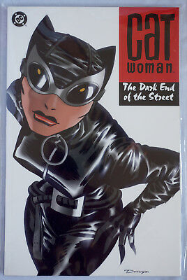 Catwoman Dark End of The Street Graphic Novel. Paperback. Brubaker. DC Comics.VF