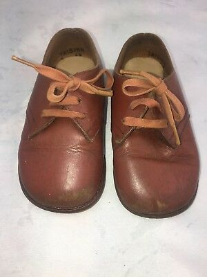 VINTAGE CLARKS CURATOR PLAY-UPS LEATHER BABY TODDLER SHOES. Size 4EE. England