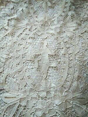 Antique Lace Long Figurial Angel Runner Bows Flowers Swags Creamy