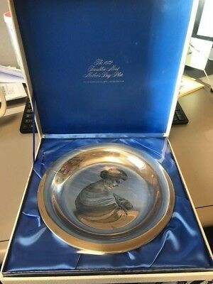 1972 Franklin Mint Mother and Child Sterling Plate Irene Spencer Mothers Day