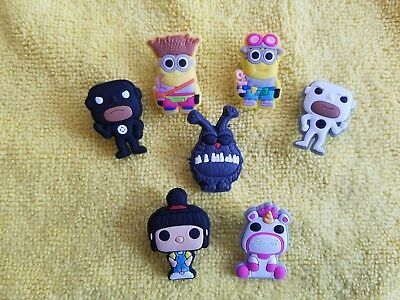 DESPICABLE ME shoe charms/cake toppers!! Set of 7!! FAST FREE USA SHIPPING!