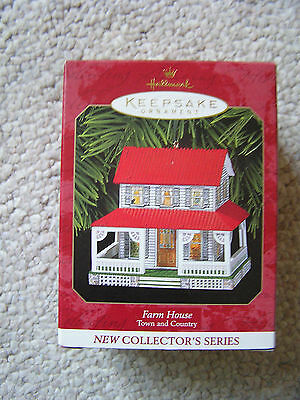 1999 Hallmark Ornament FARM HOUSE 1st in the TOWN AND COUNTRY Series MIB