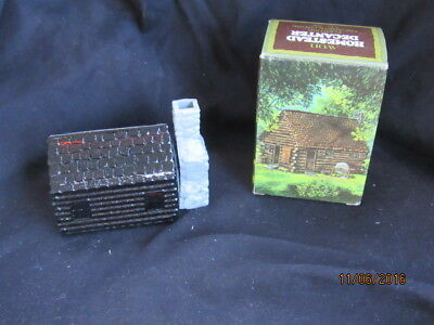 Estate NOS Avon Homestead Decanter Wild Country After Shave Log Cabin FULL NIB