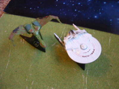 Hot Wheels Star Trek Battle Damaged U.S.S. Reliant  und Klingon Bird of prey