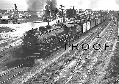 SOUTHERN PACIFIC: Fine 8x10 B&W of MT-5 4-8-2 #4376 freight at Richmond CA 1946