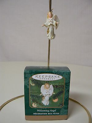 Hallmark Ornament 2000 WELCOMING ANGEL Miniature Open Arms Off White Gold NEW