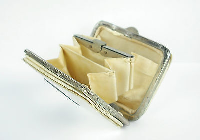 Small wallet mother-of-pearl towards 1900 Small wallet In mother-of-pearl 7 cm