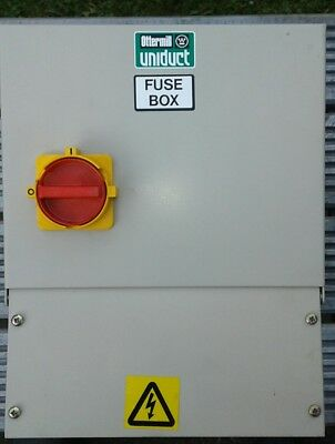 Ottermill Uniduct 100 Amp 600 Volt Tapping Fuse Box