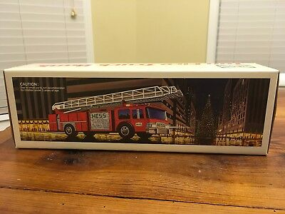 Hess Toy Fire Truck Bank 1986 Headlights And Flashing Dome Lights With Box