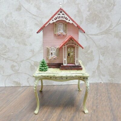 Gorgeous 1:144 Scale Miniature Cottage