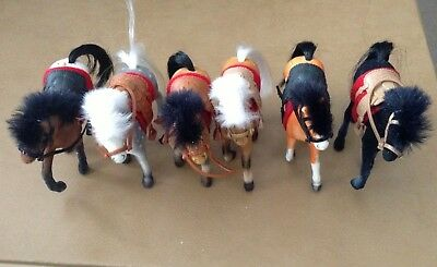 Awesome Lot Of 6 Collectable Flocked Toy Horses W/saddle/blanket/bridles Figures