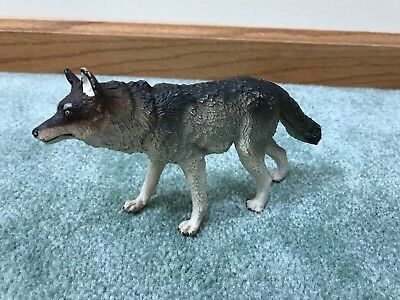 1990 Safari Ltd Toy Timber Wolf Figure GUC Paint Wear/Loss to Ears/Paws