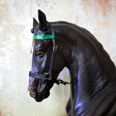 Gaited Style Show Halter (Green Band) for 1:9 (Breyer Traditional) Model Horse