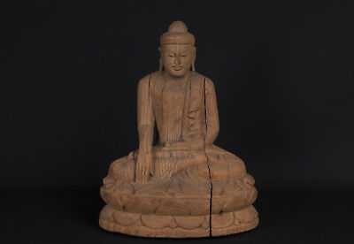 Burma 20. Jhd. Holz - A Burmese Carved Wood Figure of Buddha - Bouddha Birman