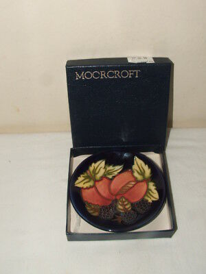 Moorcroft 1 St Class Peaches & Blackberries  Dish & Box Fabulous