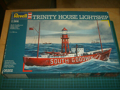 "Revell 05202 Trinity House Lightship ""South Goodwin"" in 1:144 in OVP"
