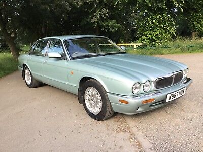 Jaguar Xj8 In Stunning Condition Full Service History 12 Months Mot No Advisory