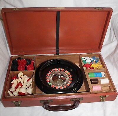 Vintage 1940's Mini Roulette Chess Checkers Backgammon Carry Case Plastic Pieces
