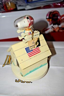 1969 Snoopy Music Box Charlie Brown Peanuts Schmid Bros United Feature Fly Moon