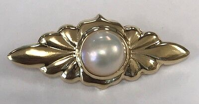 18k Solid Yellow Gold Lustrous Mabe Pearl Brooch