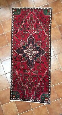 Beautiful persian rug 2.44 x 1.02m great condition