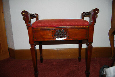 Vintage Piano Stool With Lift Up Seat For Storing Music.  Lovely Condition.