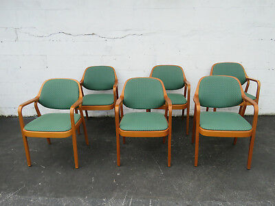 Mid Century Modern Set of Six Dining Room Chairs by Knoll 9019