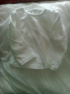 Baby girl long sleeve white top by earlydays 6/9mths round neck