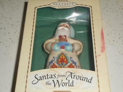 Hallmark Santa's Around The World Italy 2004 Porcelain Keepsake Ornament~New!