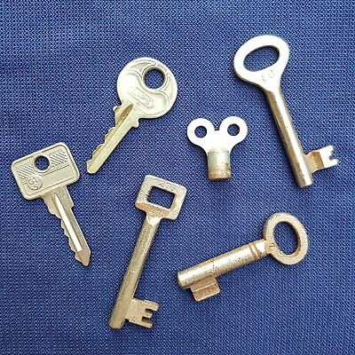 Nice Lot Of 6 Vintage Skeleton Keys With Numbers And Markings.