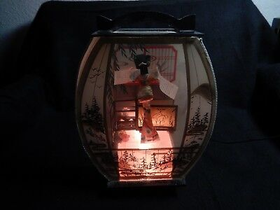 Vintage Mid Century Modern Asian 3D lamp w Geisha and scroll in Garden Shadowbox