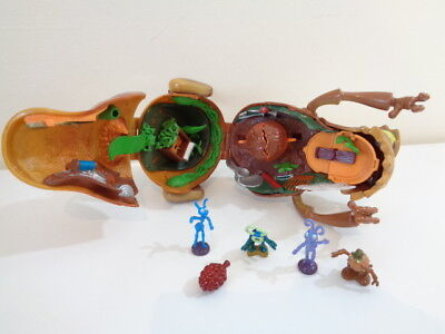 DISNEY PIXAR A BUG'S LIFE PT FLEA CIRCUS PLAYSET -MATTEL 1998 + some accessories