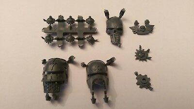 40k Imperial Knight Bits 1