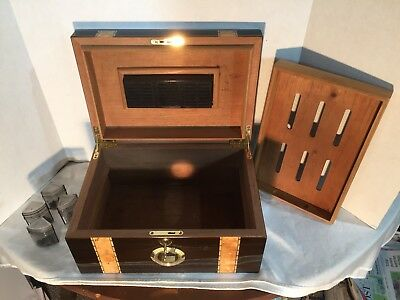 Classic Quality High-Gloss Rosewood with a Maple Wood Inlay Cigar Humidor!
