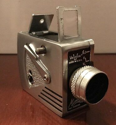 VINTAGE UNIVERSAL MINUTE 16 CAMERA WITH LEATHER CASE And BOX