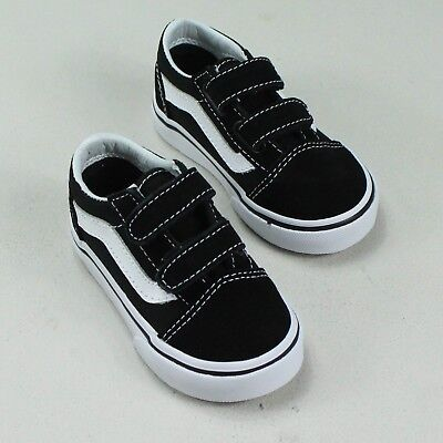 cfe1252e1f VANS INFANTS OLD Skool V Flame Cut Out Black True White Size 7 ...
