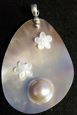 Vintage Signed LUC CN Mother of Pearl Sterling Silver Pendant Flowers