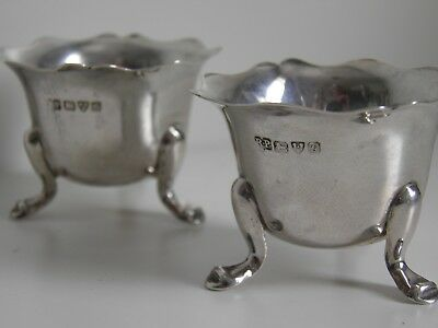 Solid Silver Salts - Pair - Hallmarked : Chester 1907 - Robert Pringle.