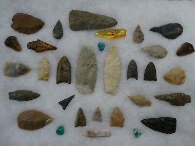 Large Display Case of Authentic Paleo Points Indian Artifact Arrowheads COA