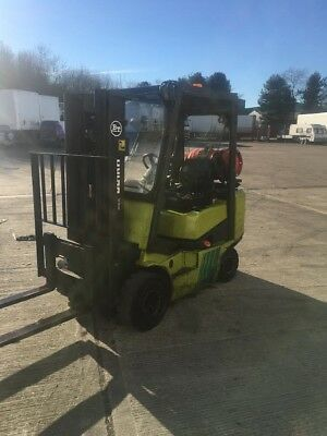 used clark gas forklift truck
