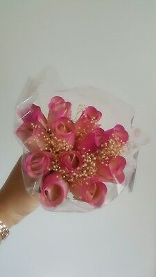 WHITE/HOT PINK 12 pieces Wooden Roses Buds