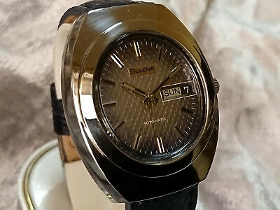 Bulova 1974 vintage automatic watch Day/Date 11BSACB textured two tone blue dial