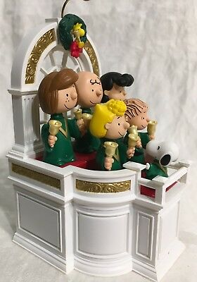 QXI4309 HALLMARK KEEPSAKE, 'Ringing in Christmas', The  PEANUTS Gang, 2007